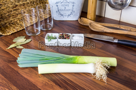 leek and spices