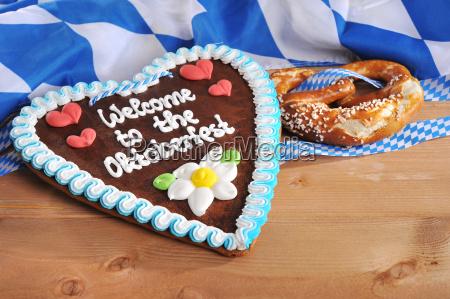 bavarian gingerbread heart with brine