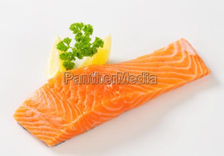 filete de salmon crudo