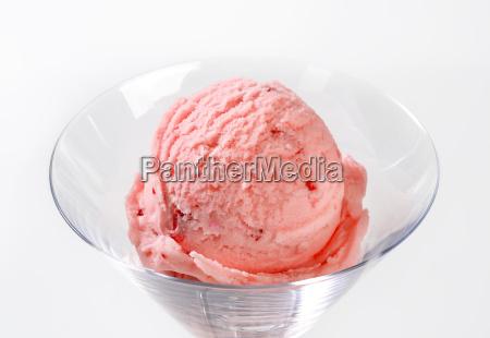 strawberry ice cream in stemmed
