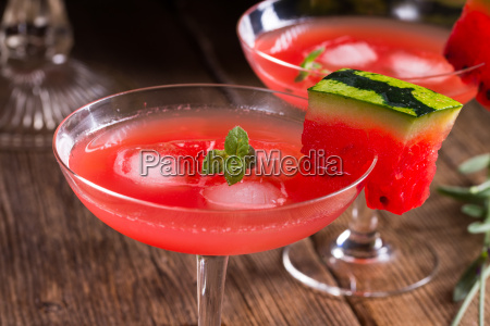 watermelon juice with ice