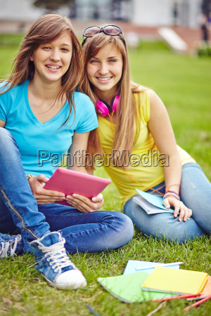 modern teenage girls