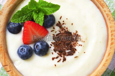 smooth semolina porridge with fresh fruit