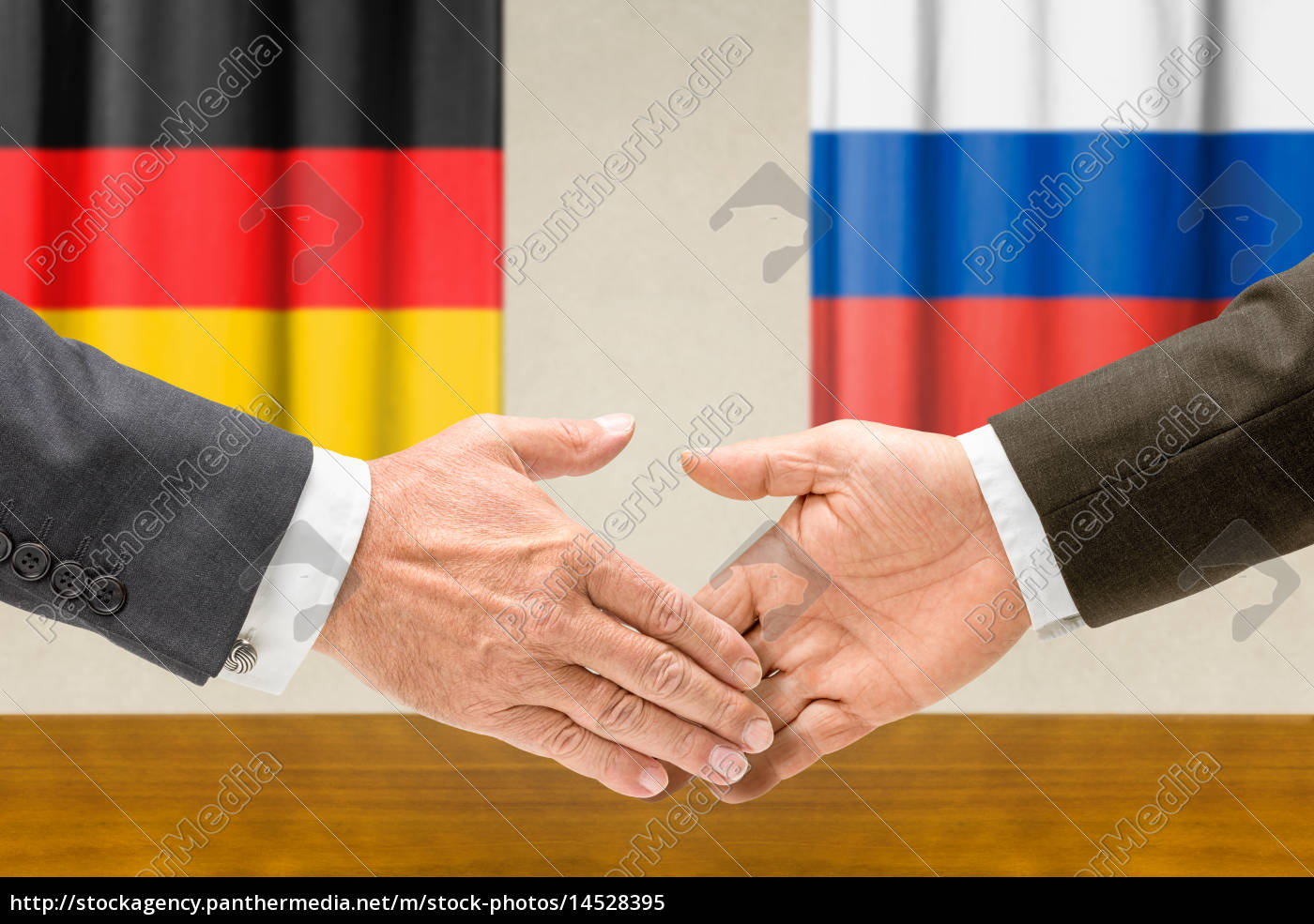 representatives, of, germany, and, russia, shake - 14528395