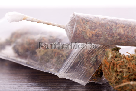 dried, cannabis, flowers, grass, with, joint - 14550175