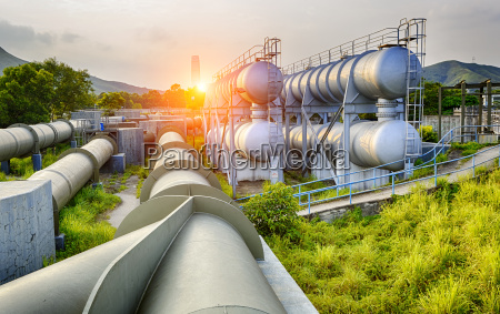 glow light of petrochemical industry on