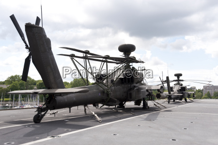 helicopter ah 64 apache on the
