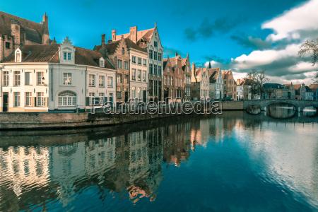 bruges canal spiegelrei belgium