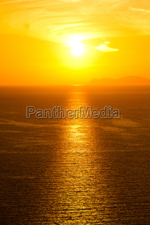 sunset in oia santorini sunset in