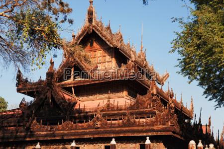 mandalay shwe kyaung monastery mandalay shwe
