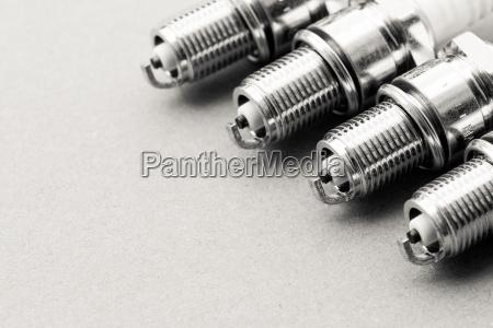 auto service set of spark plugs