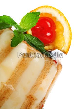 gelatin dessert with caramel gelatin dessert