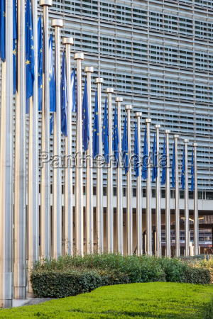europaeische union flaggen in bruessel