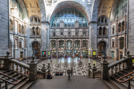 entrance hall of the antwerp main