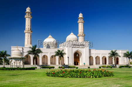 sultan qaboos grand mosque salalah sultanate