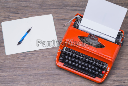 notepad and typewriter