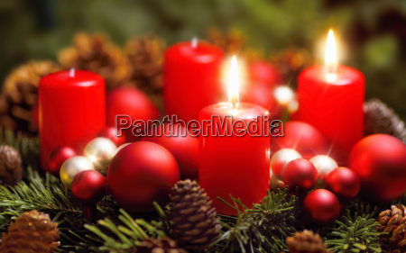 advent wreath with two flames