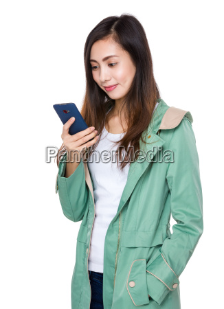 young, woman, use, of, the, cellphone - 14932643