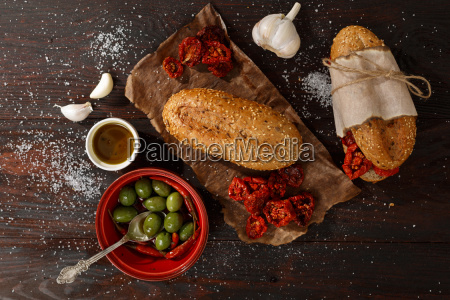sandwich, with, dried, tomatoes - 14940563