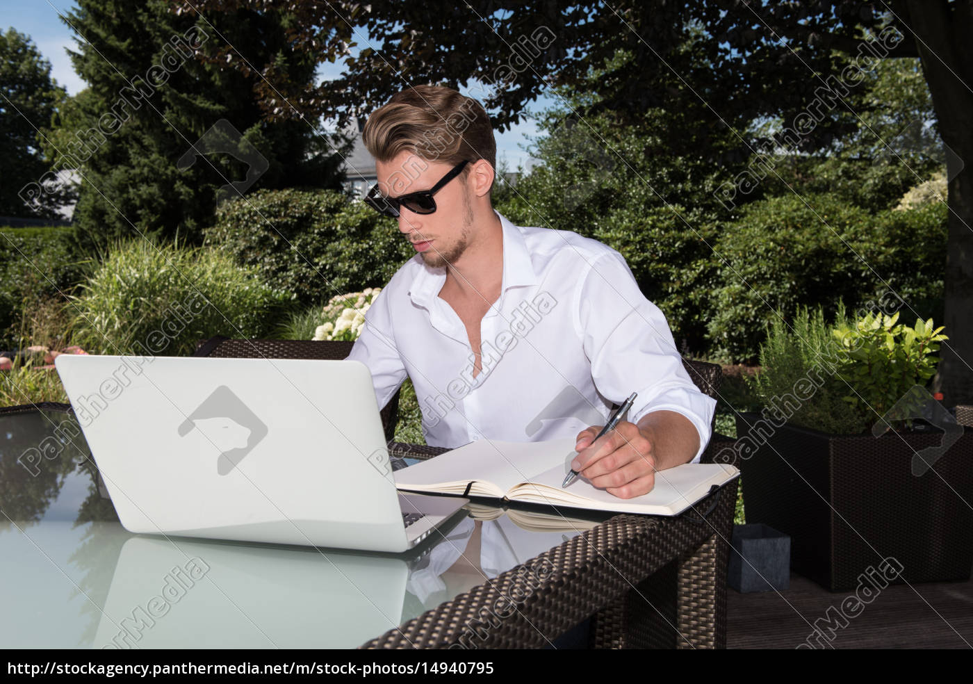 student, is, working, with, laptop, and - 14940795