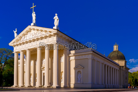 cathedral, of, vilnius, in, the, evening, - 14943641