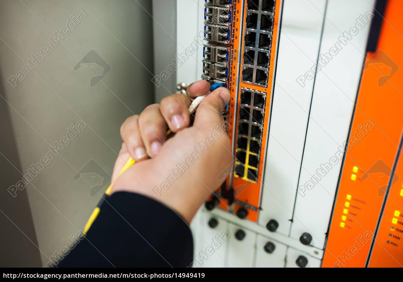 fix, network, switch, in, data, center - 14949419