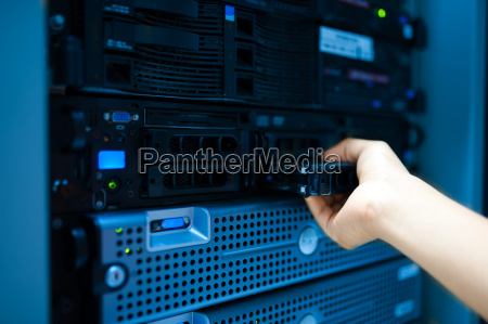 man, fix, server, network, in, data - 14949649