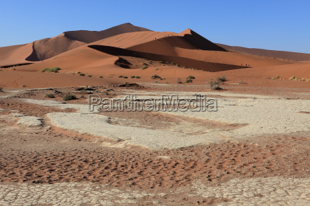 the namib desert with the deadvlei
