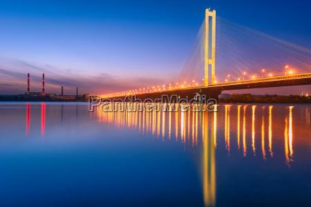 south bridge in kiev to the
