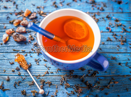 blue cup with tea