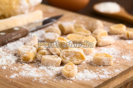 raw homemade hungarian csipetke pasta for