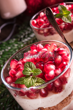 pomegranate mascarpone dessert