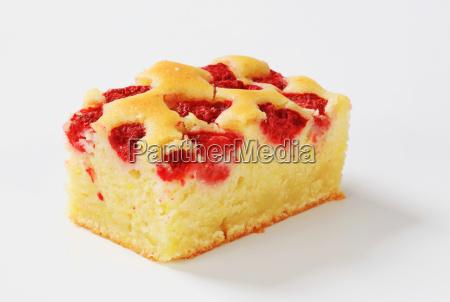 raspberry cake slice