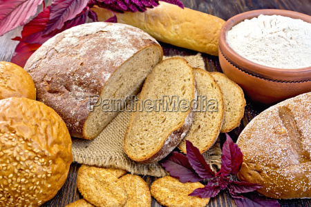 bread and biscuits amaranth with flour