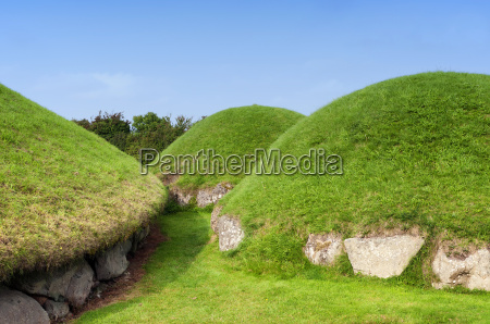 newgrange megalithic passage tomb 3200 bc