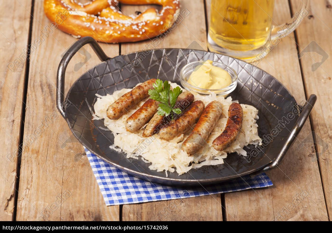 nuremberg, sausages, with, sauerkraut - 15742036