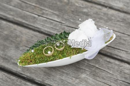 floral ring cushion