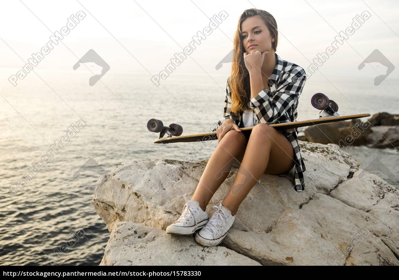 skater, girl - 15783330