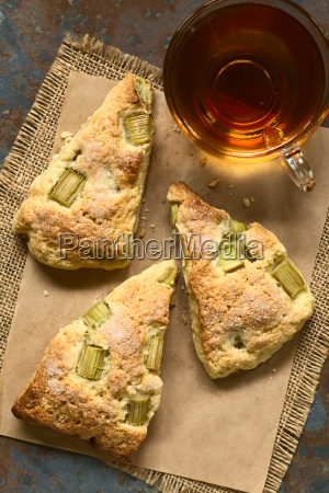 rhubarb, scones, with, tea - 15785066