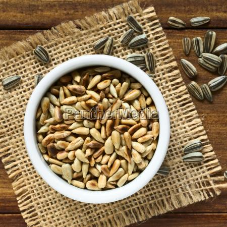 roasted, sunflower, seeds - 15785038