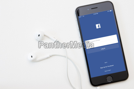 facebook application on iphone operation