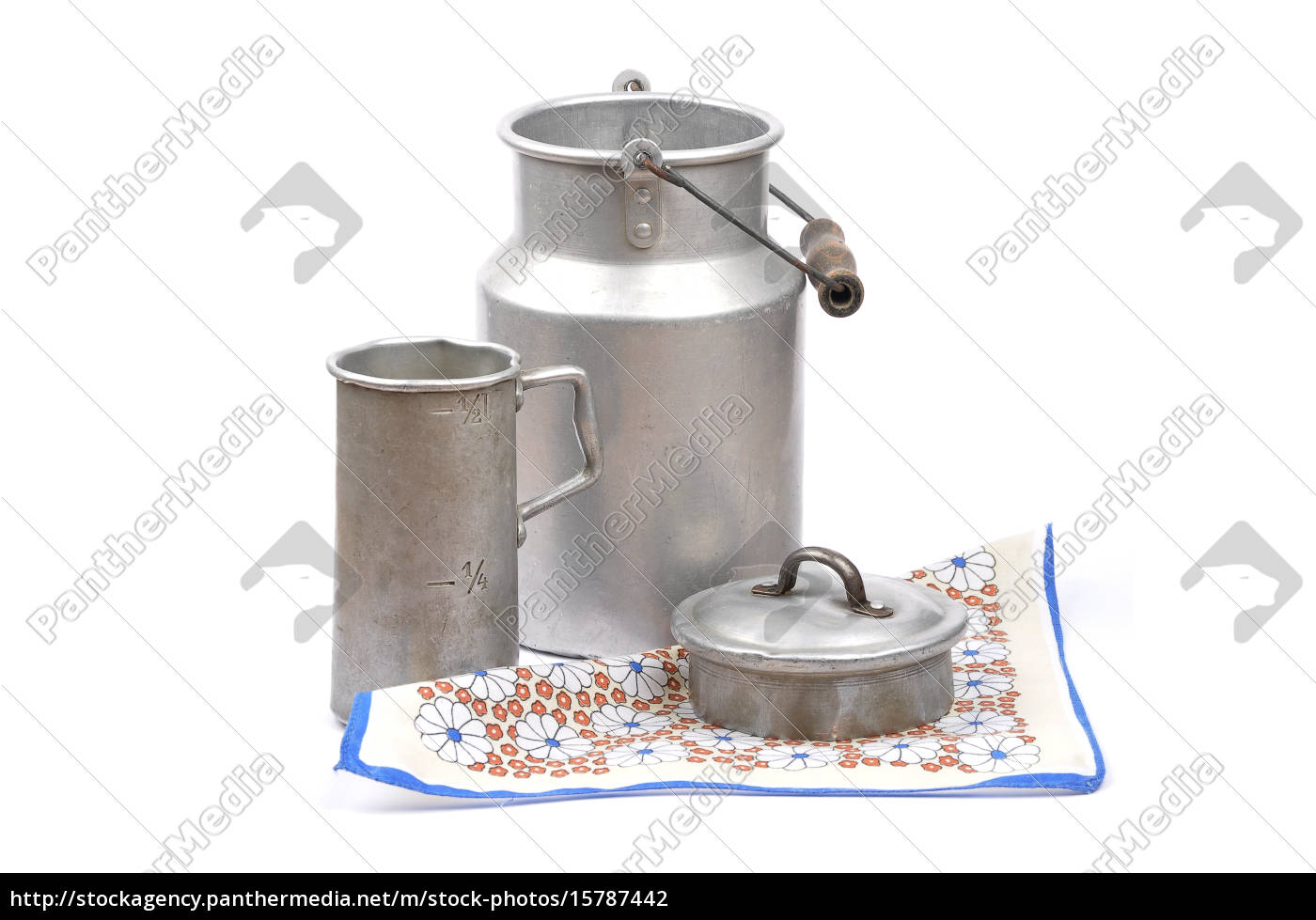 measuring, cup, and, milk, jug - 15787442