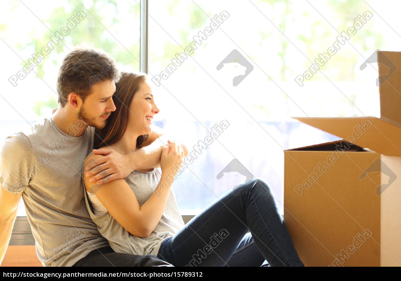 couple, hugging, moving, new, house - 15789312
