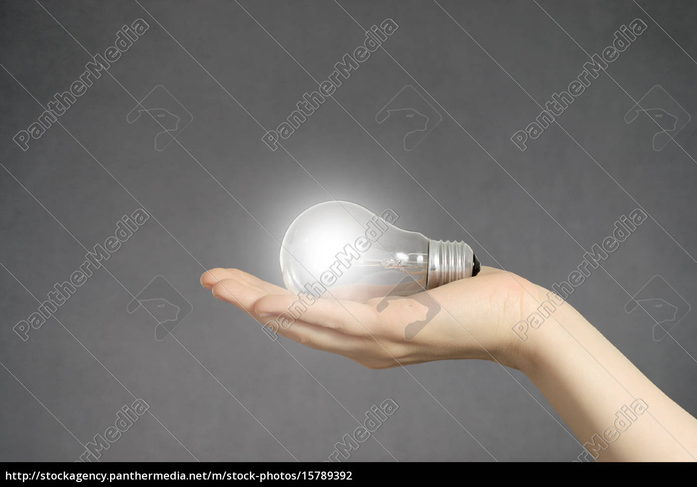 hand, with, light, bulb, and, copyspace - 15789392