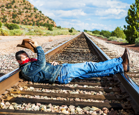 across, train, tracks - 15792559