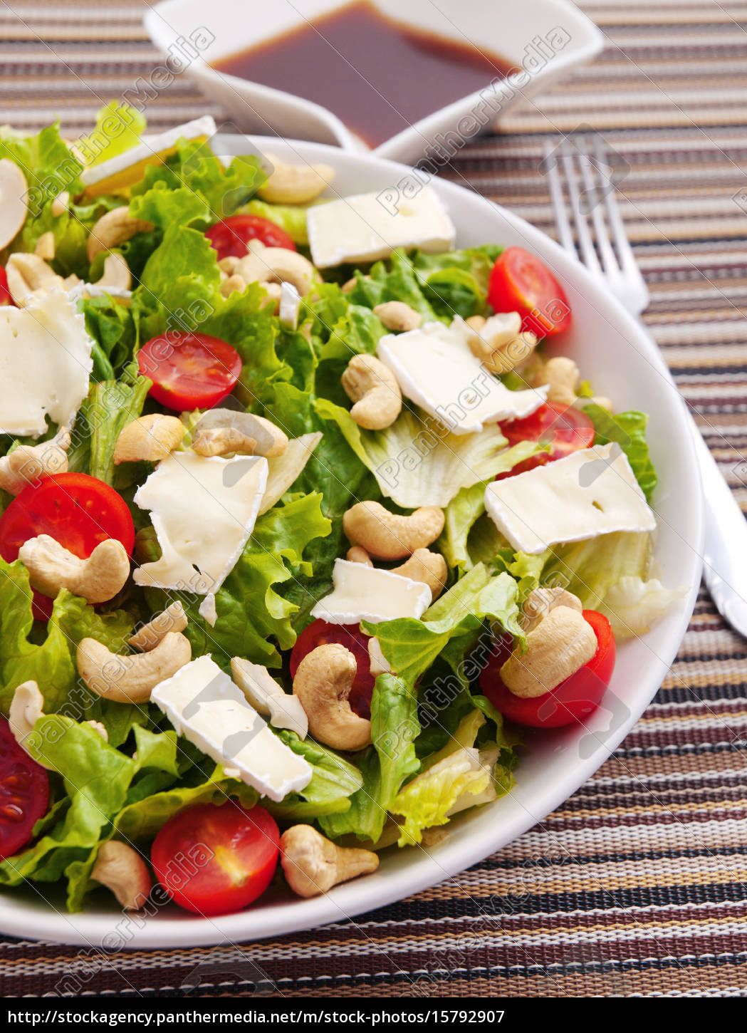 green, salad, with, brie, , cashew, and - 15792907