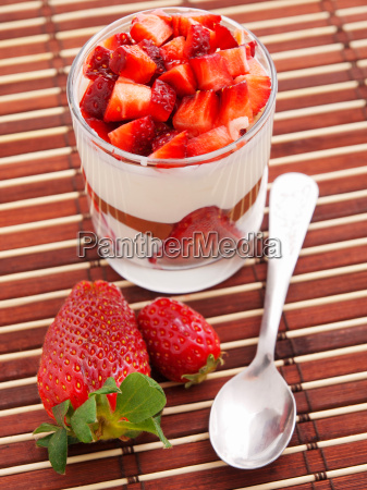 panna, cotta, with, strawberries, panna, cotta, with - 15792897