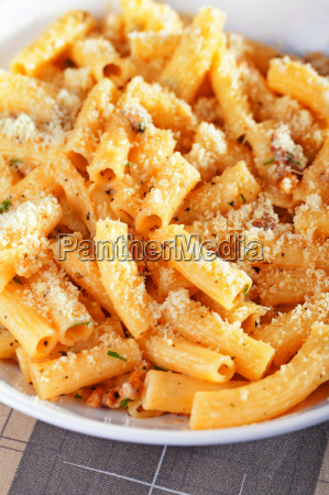 penne, with, tomatos, and, parmesan, cheese, penne - 15792975