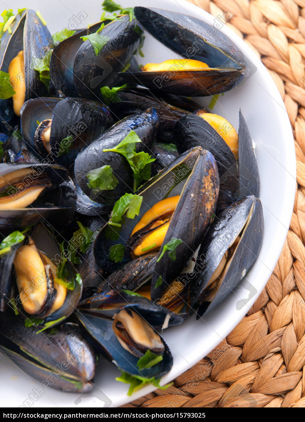 mussels, with, butter, and, fresh, herbs, mussels - 15793025