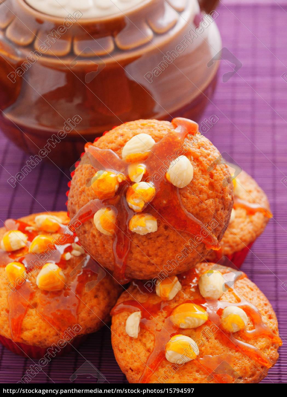 cupcakes, with, hazelnuts, cupcakes, with, hazelnuts - 15794597